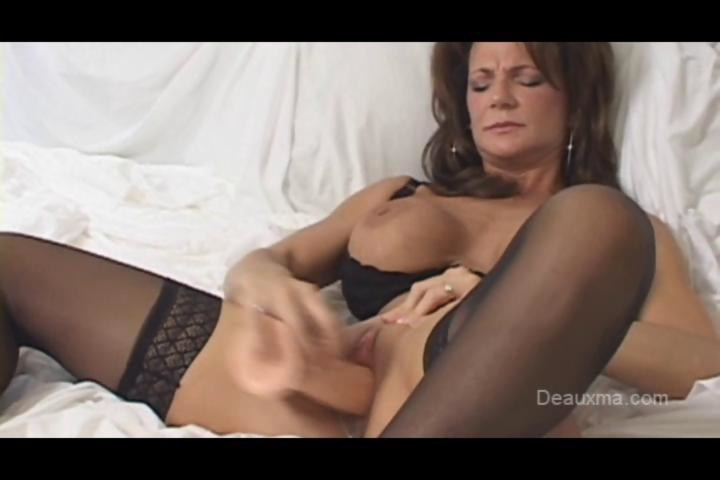French squirt mature cougar hard double teamed - 3 part 8