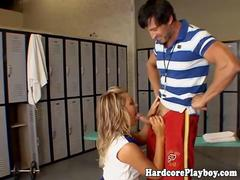 Blonde cheerleader pussyfucked hard