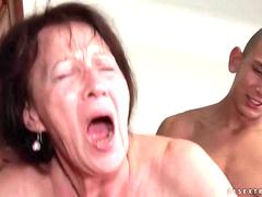 Young man fucks hot granny pretty hard