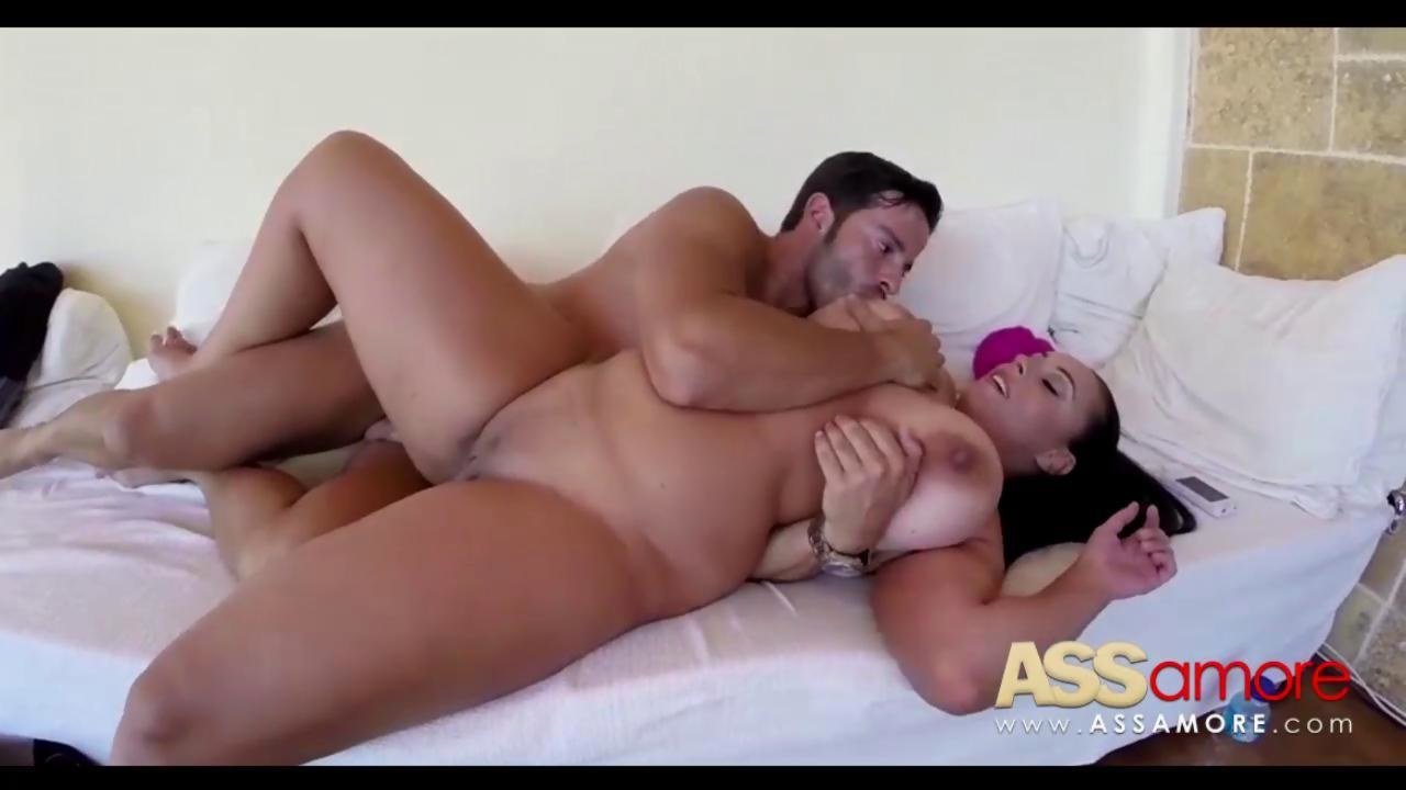 Bigtit mature fucks a wiener - 1 part 1