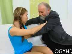 amateur slut getting eaten out by the old mans tongue