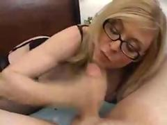 Nina Hartley teaches guys how to get sucked properly
