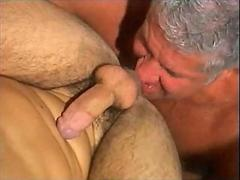 Buffed old dude fucks his arousing young boyfriend