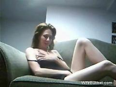Amateur couple sex on the couch movie