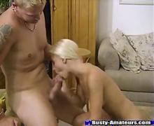 Sexy Sammy gives an awesome headjob