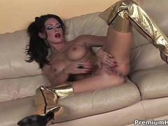 Golden kayla paige gets horny feature
