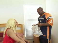 Big ass black girl with blonde hair has something special for her hard working man