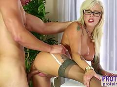 Lovely Vyxen gives an awesome handjob to her man