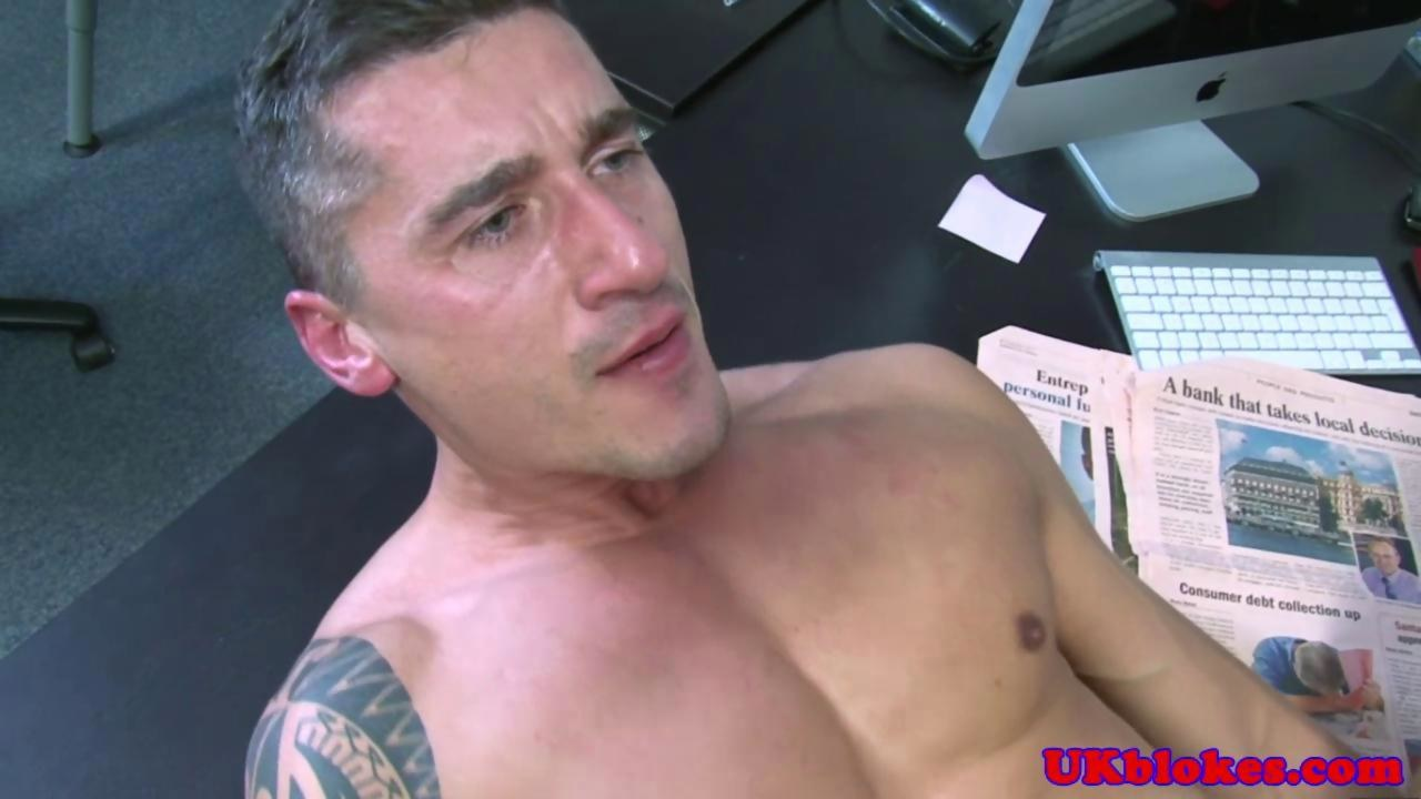 Muscular hunk lifted while throating jock