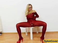 Blonde dildoing herself in pantyhose
