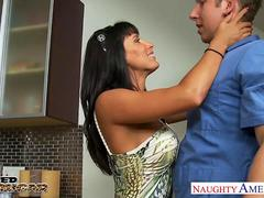 Nasty cougar Lezley Zen gets facialized
