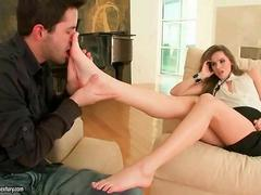 Tori Black gets her pretty feet worshipped
