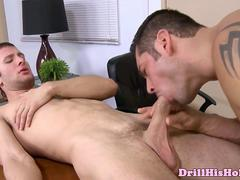 Bottom loving stud gets a deep dicking