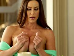 Big tits MILF Ariana Marie gets licked by a little slut