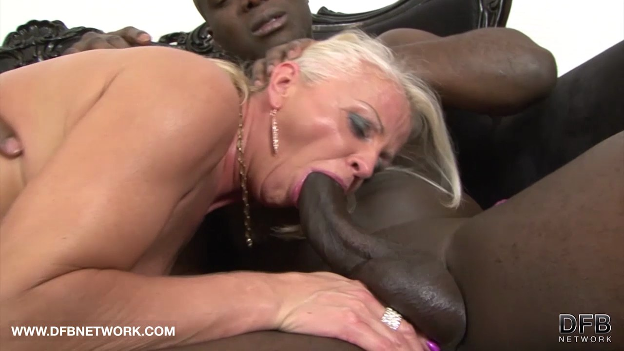 black mature sex tube
