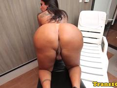 Kinky tattooed tgirl with round booty jerking