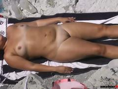 Chubby nude girl expose her fat shaved pussy