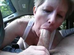 Amateur Sexy Milf Taking A Blowjob In Car