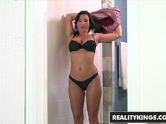 RealityKings - Milf Hunter - Lezley Zen Sean Lawless Tony D - Man Eater
