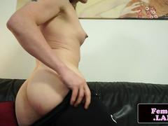 Amateur femboy stuffing her ass with dildo