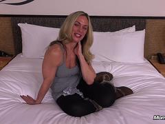 Deep Anal Fucking a Fitness Body Amateur Milf