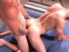 Military amateur strips and tugs huge dong