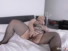 bbw mature masturbating on cam