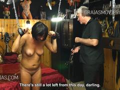 Older bitch screaming while whipped