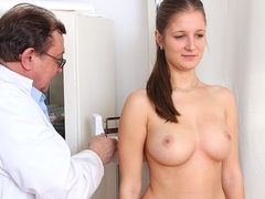 Natural busty Jennifer Amton at fetish clinic
